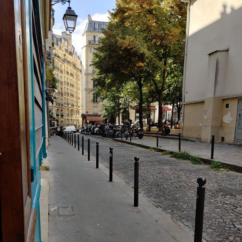 nos rendez--vous: photo showroom Amande C place Charles Dullin à Paris