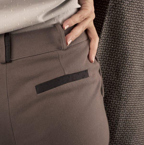 detail-dos-passepoil-pantalon-curieuse