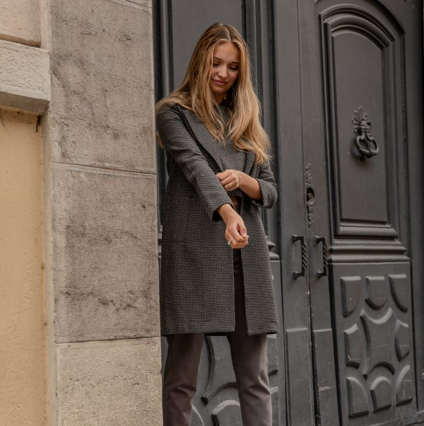 look-manteau-independante-pantalon-curieuse-rue-de-lyon