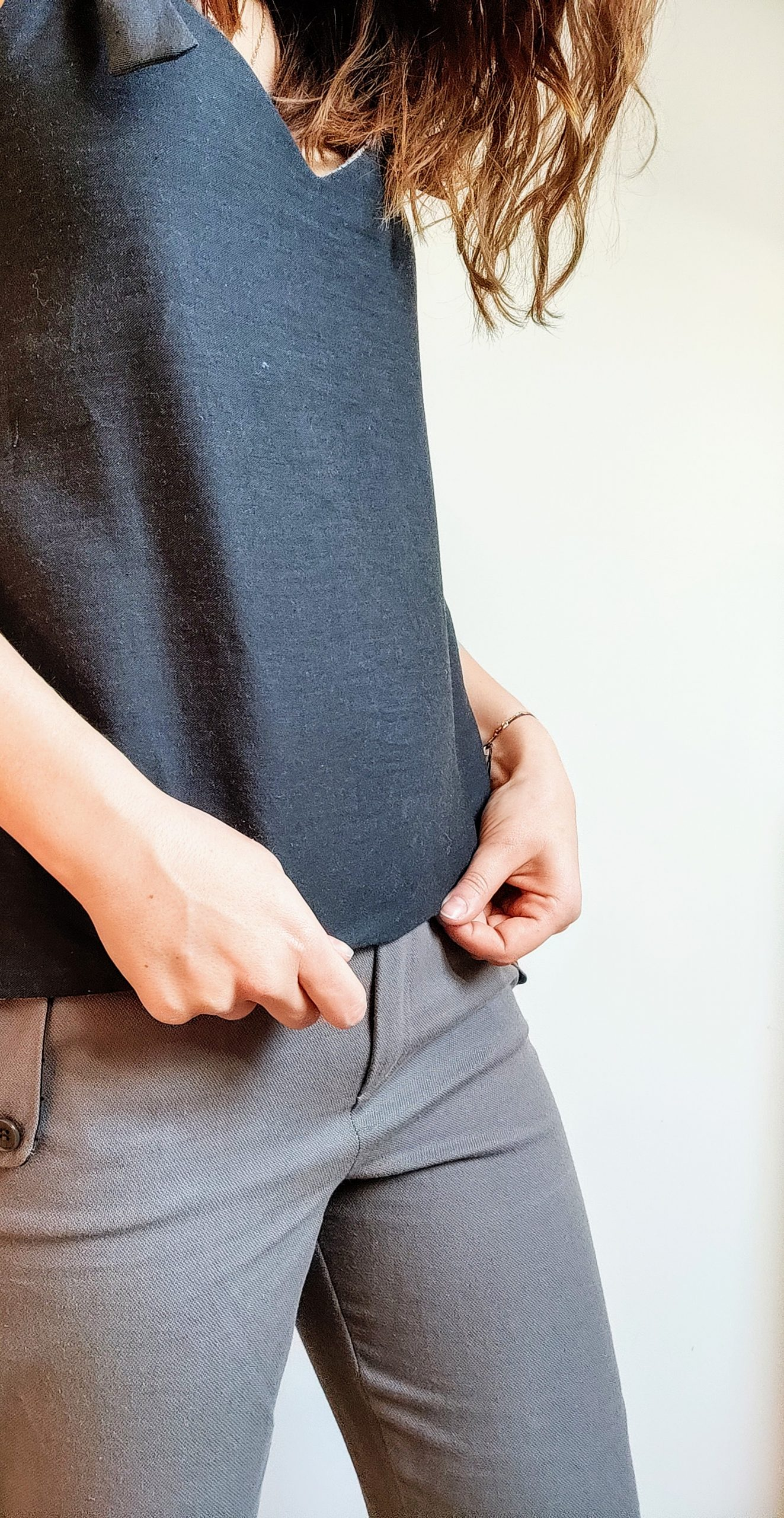 ensemble top reverso jacquard:anthracite et pantalon cigarette gris