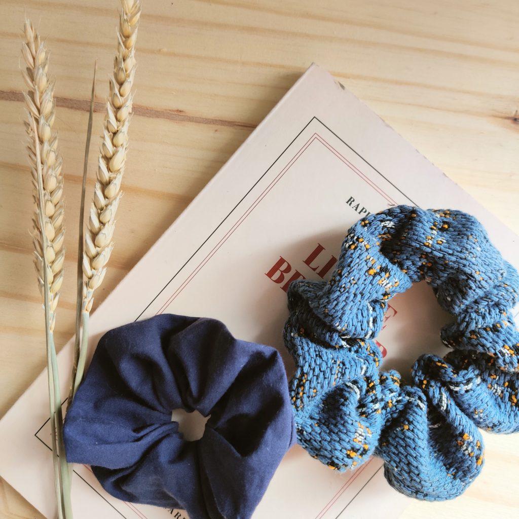 chouchou-attachante-duo-bleu-bles-et-livre