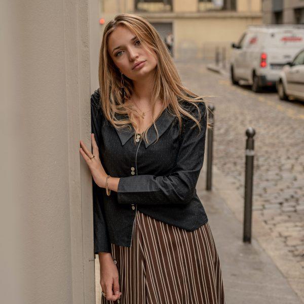look-chemise-seduisante-jupe-flaneuse-rue-de-lyon