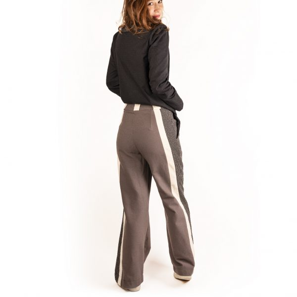pantalon-fascinante-chemise-seduisante-dos